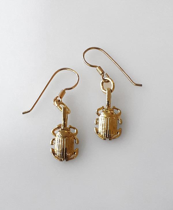 boucle-oreille-pendante-scarabee-equilibre-or-ben-azri